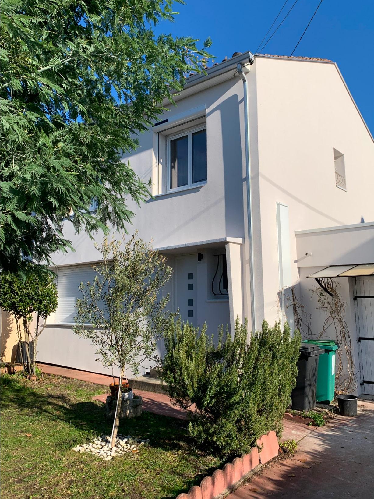 Résultat après chantier Isolation thermique par l'extérieur maison à Pessac - vue de face